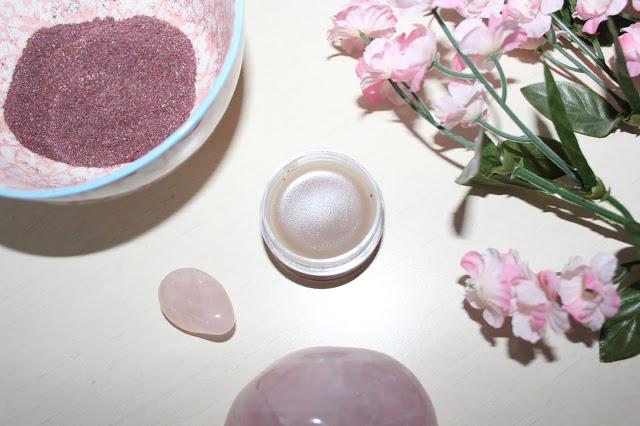 DIY zero waste lip balm